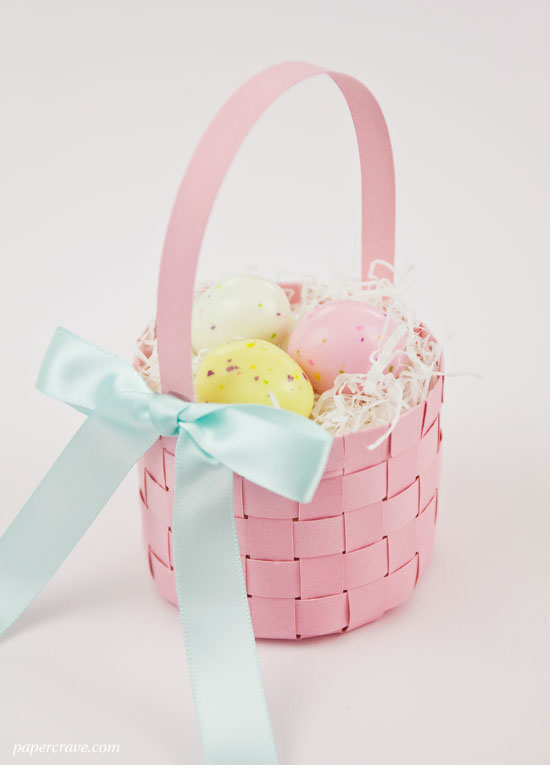 DIY Woven Paper Easter Basket (free templates included) | Paper Crave for Craftsy