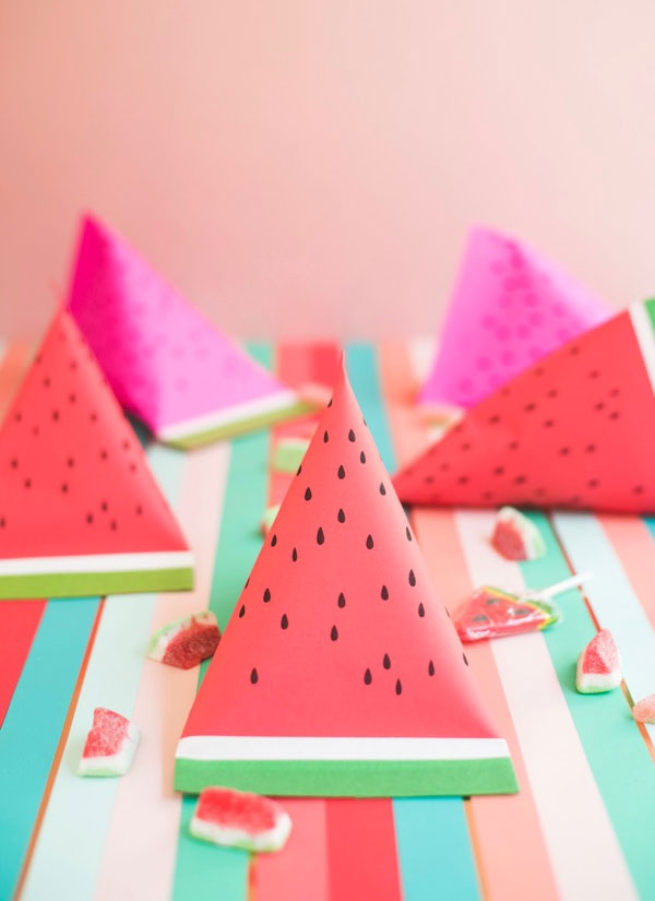 http://papercrave.com/wp-content/uploads/2017/08/diy-watermelon-pouches.jpg